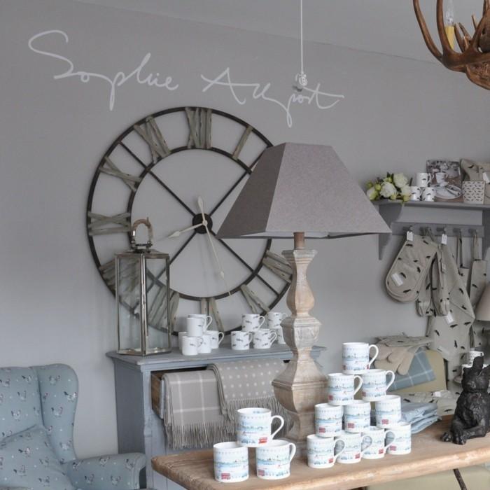 Cool-idées-horloge-parlante-l-horloge-tourne-horloge-géante-magasin