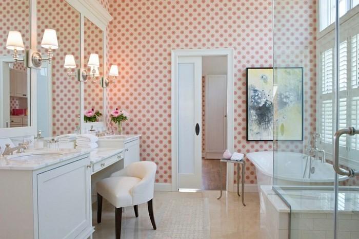 Déco-intérieur-aménagement-papier-peint-pour-salle-de-bain-baignoire-cool-feminine