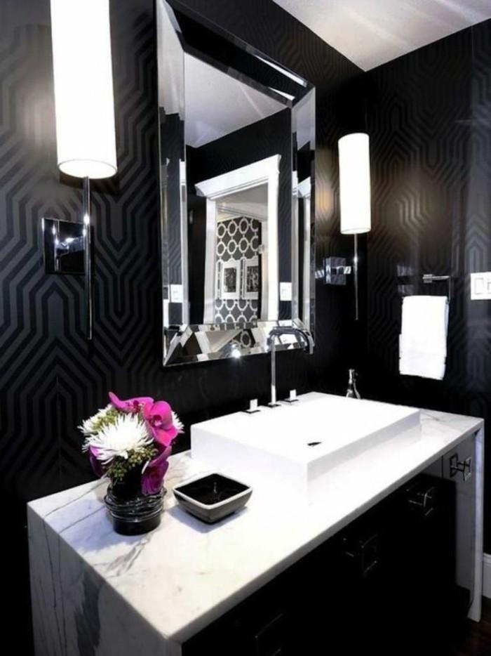 Design-papier-peint-pour-salle-de-bains-cool-idée-salle-noire-baignoire