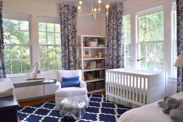 Idée-déco-chambre-bebe-lustre-chambre-bébé-cool
