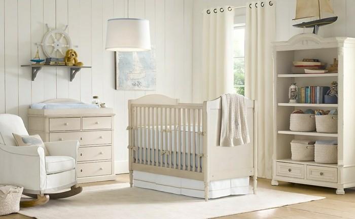 Idée-déco-chambre-bebe-lustre-chambre-bébé-en-blanc