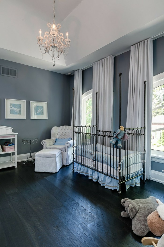 Idée-déco-chambre-bebe-lustre-chambre-bébé-lustre-cristal