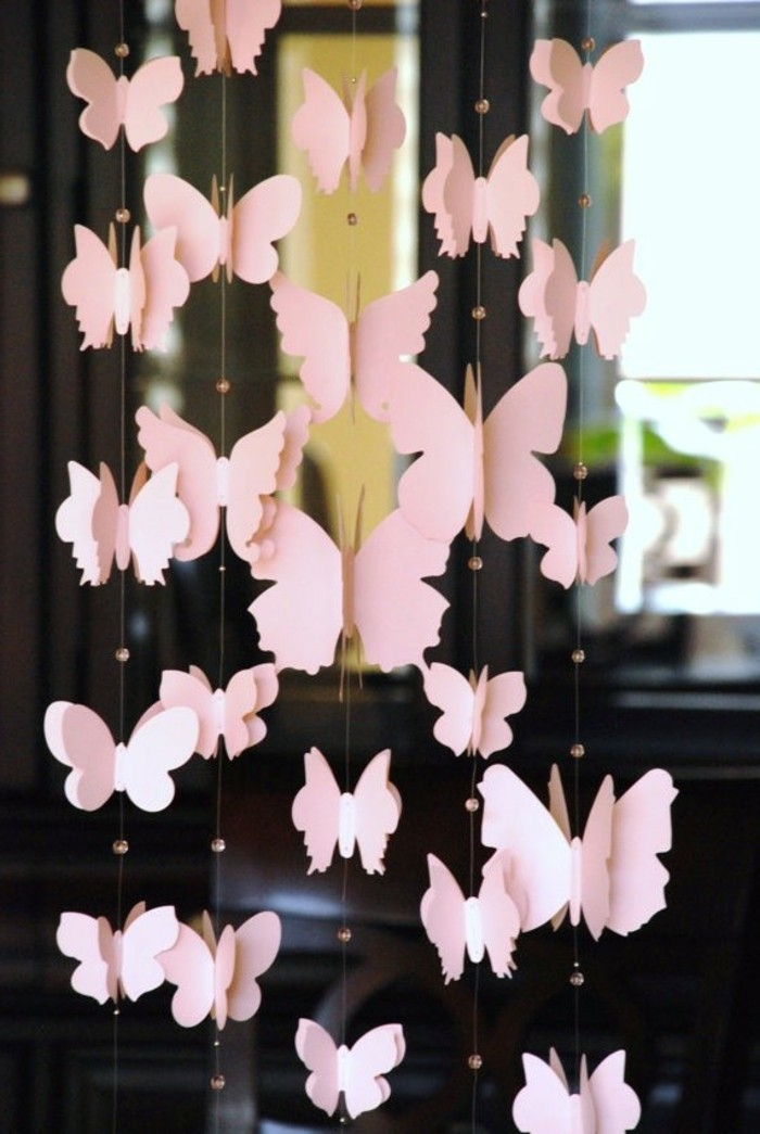 Idée-déco-chambre-bebe-lustre-chambre-bébé-papillons