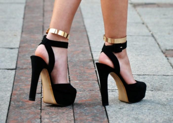 Idée-escarpins-tamaris-chaussures-a-talons-tenue-de-jour-escarpin-noir-et-doré