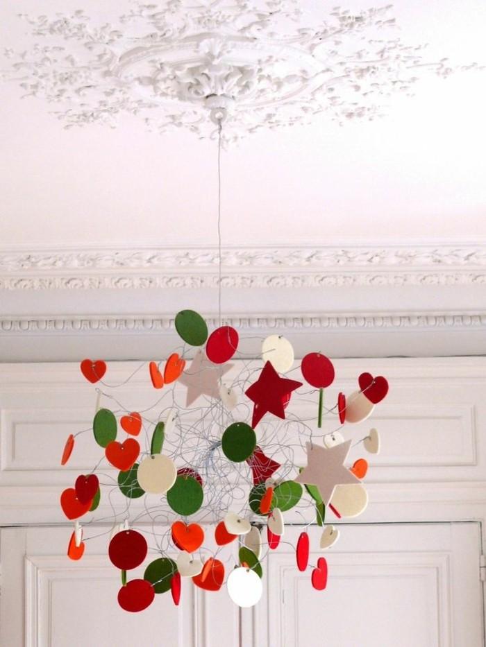 Le-lustre-cool-design-chambre-bebe-idée-mignon-chandelier
