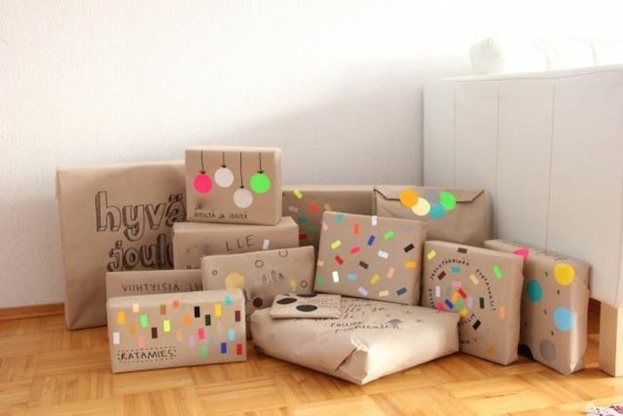 Le-papier-cadeau-personnalisé-idée-embalage-noel papiers-cadeaux-originaux-idées