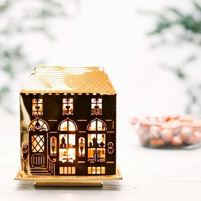 Lumieres-de-noel-guirelandes-et-bougies-à-utiliser-photophore-noel-maison