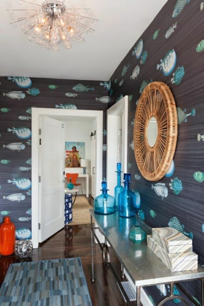 Papier-peint-de-salle-de-bain-design-vintage-baignoire-poissons