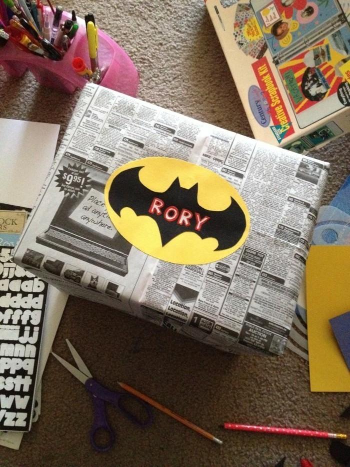 Personnalisé-papier-cadeau-original-papier-personnalisé-papier-cadeau-noel-batman