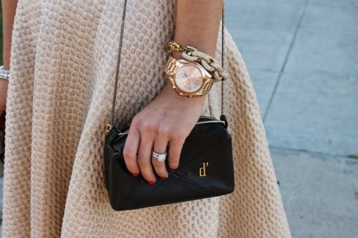 Tendance-montre-guess-doré-rose-montre-michael-kors-or-rose-jupe-trapeze