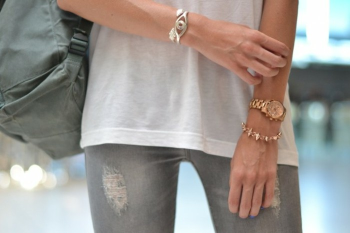 Tendance-tenue-montre-guess-doré-rose-montre-michael-kors-or-rose-jean-et-t-shirt
