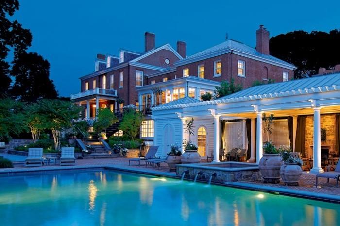 agréable-maison-beauté-architecturale-les-plus-belles-villas-du-monde-à-la-classe-piscine-maison-classique