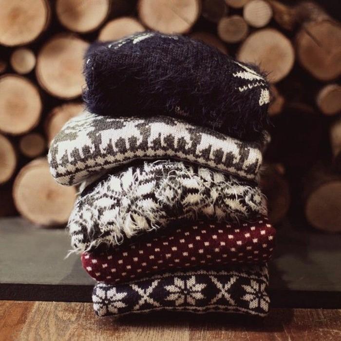 allure-cozy-ambiance-tenue-pull-jacquard-femme-mignon