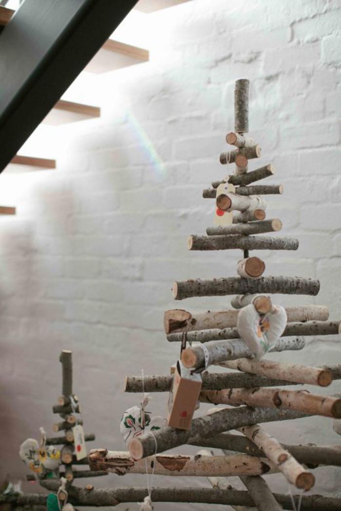 Comment se faire un arbre de noel diff rent et joli 49 - Deco avec des branches d arbres ...