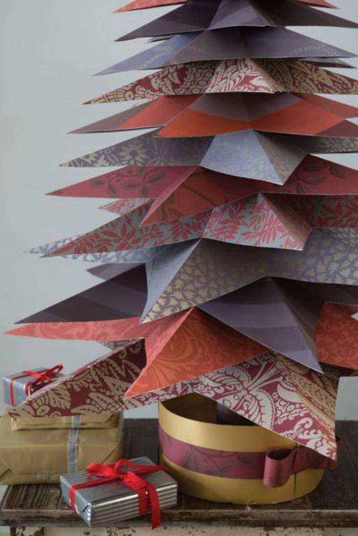 arbre-de-noel-fait-avec-papier
