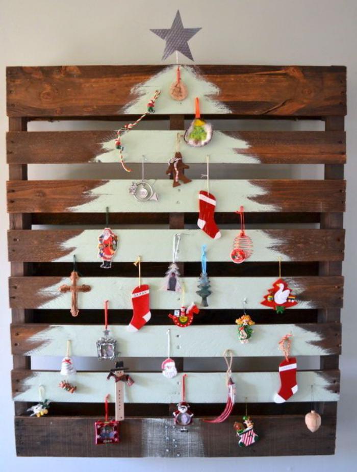 arbre-de-noel-sur-une-palette-idée-déco-de-Noel