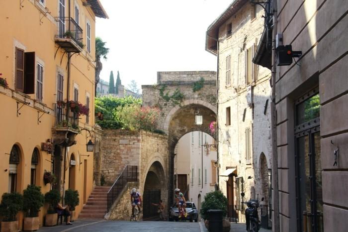 assise-les-plus-belles-villes-d-italie-à-visiter-moyen-age-resized