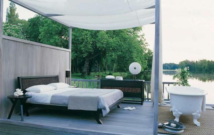baignoires-design-baignoire-retro-baignoire-angle-design-moderne-dehors-lac-idée