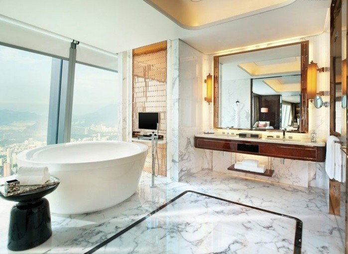 baignoires-design-baignoire-retro-baignoire-angle-design-moderne-en-marbre-et-belle-vue