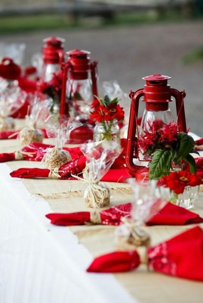 belle-décoration-de-noel-à-fabriquer-rouge-deco-table-de-noel