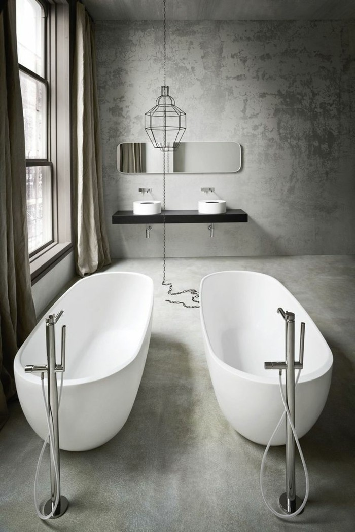 belle-salle-de-bain-luxueuse-idée-baignoire-sur-pied-pas-cher-baignoire-style-industriel