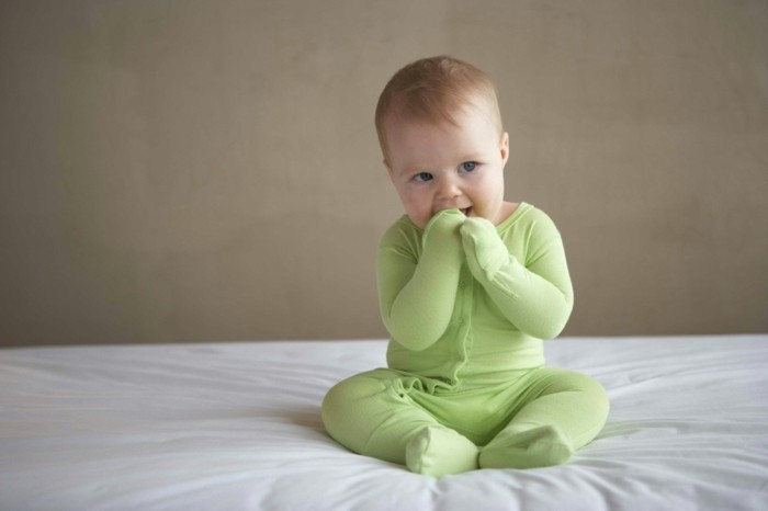body-bebe-pyjama-bébé-fille-pyjama-petit-bateau-clair-vert-pyjama-bebe