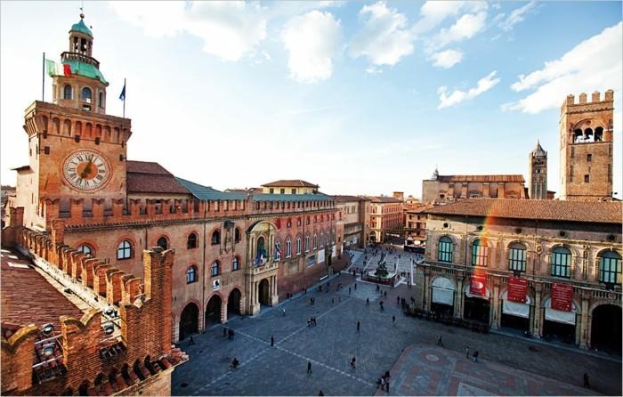 bologna-cool-et-admirable-piazza-beauté-ville-voté-pour-sa-cuisine-resized