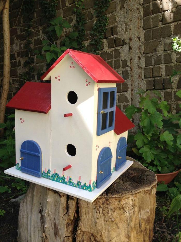cabane-à-oiseaux-cabane-d'oiseau-pour-le-jardin