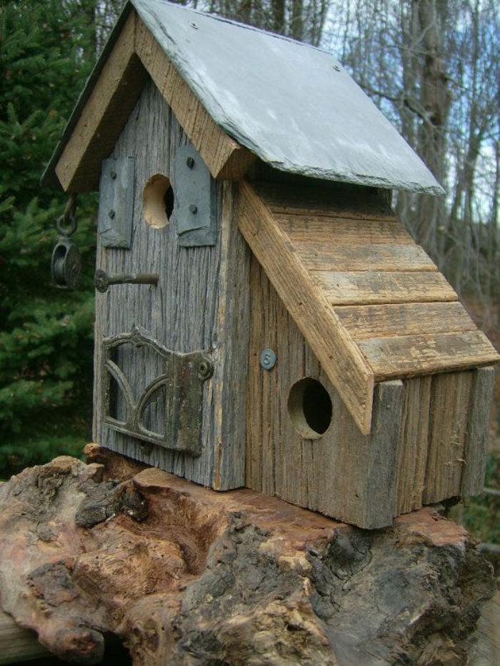 cabane-à-oiseaux-deux-cabanes-rustiques