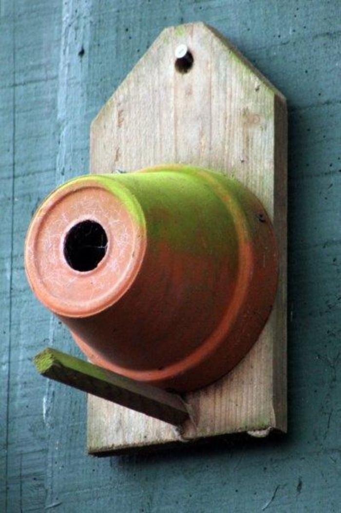 cabane-à-oiseaux-faite-avec-matériaux-diy