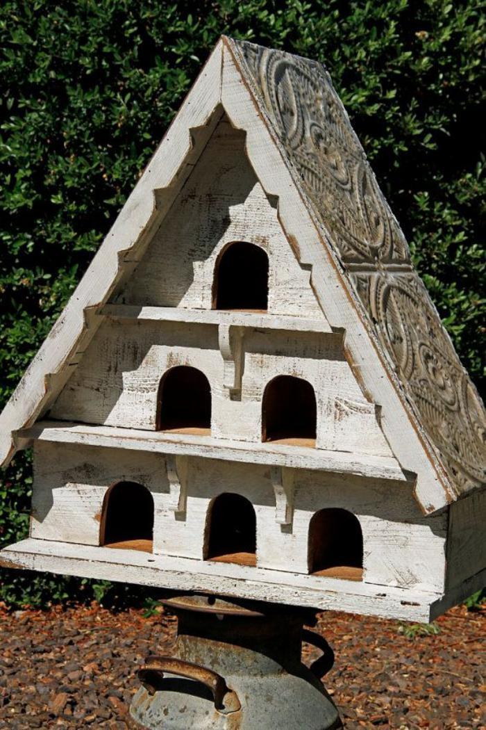 cabane-à-oiseaux-style-antique