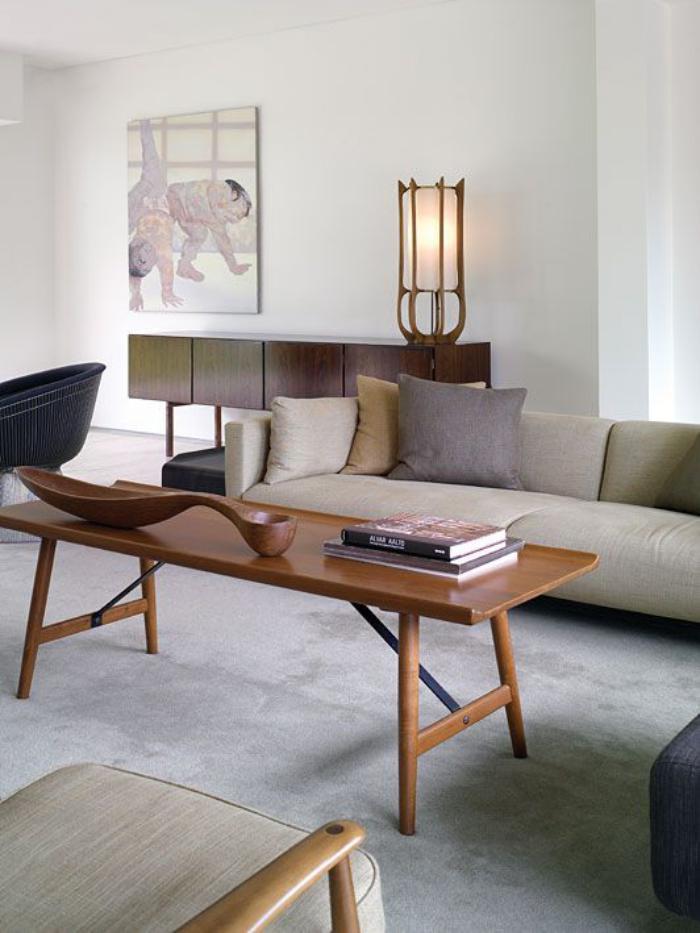 canapé-beige-et-meubles-déco-vintage