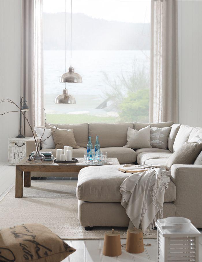 canapé-beige-grand-canapé-beige-composable-table-en-bois
