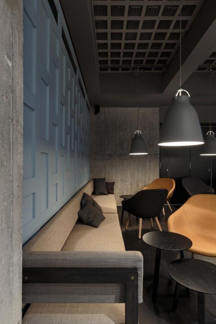 canapé-beige-grand-sofa-intérieur-unique-contemporain