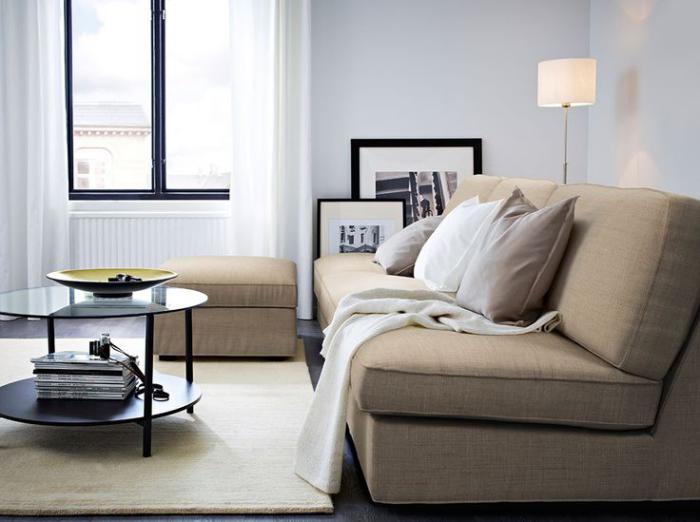 canapé-beige-super-cosy-en-textile-idée-déco-salon-beige