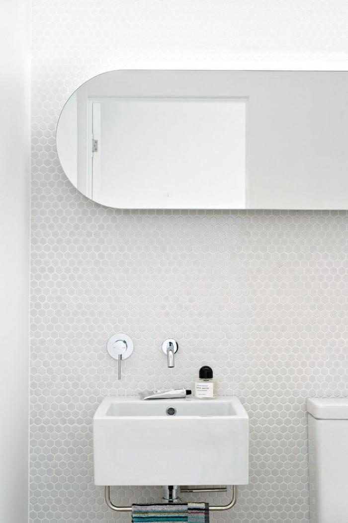 carrelage-blanc-brillant-tuiles-murales-hexagonales