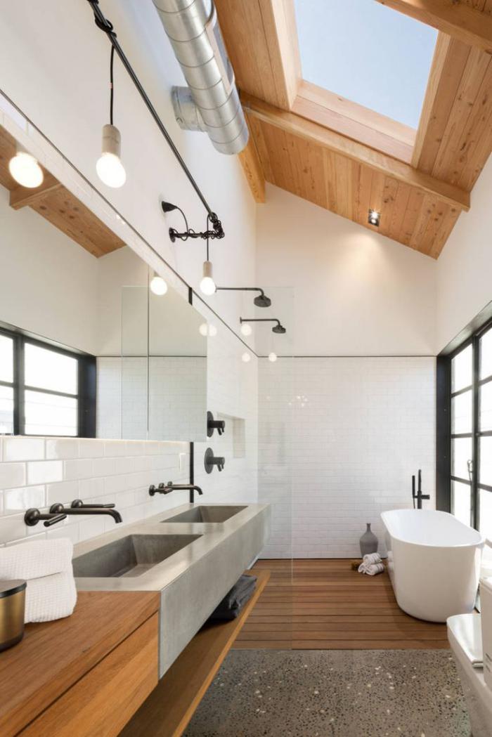 carrelage-blanc-brillant-dans-une-salle-de-bains-design