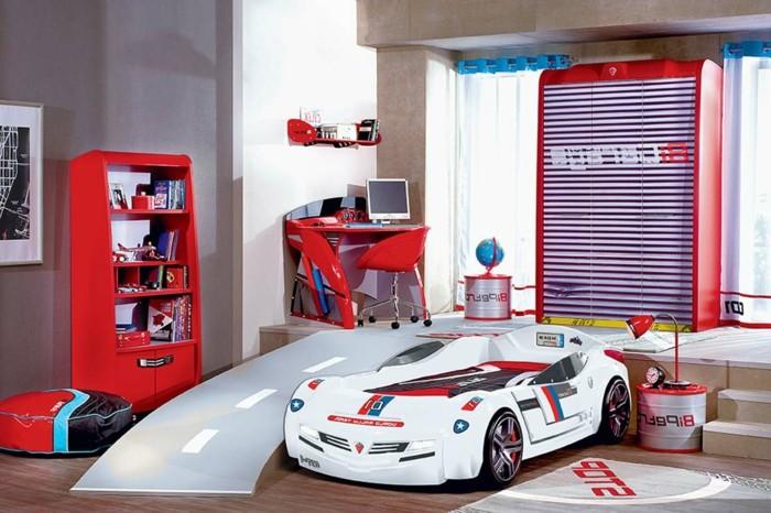 Le lit voiture pour la chambre de votre enfant - Conforama lit de chambre pour un couple ...