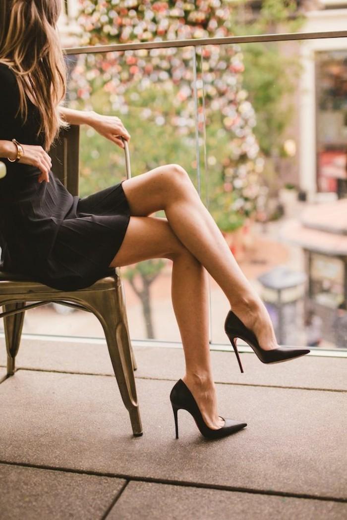 chaussures-à-talon-escarpins-confortables-escarpins-pointus-balcon-jolie