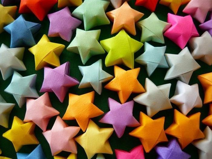 chouette-dessin-etoile-de-noel-table-de-noel-étoiles-couleurs