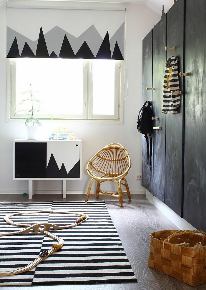 comment-choisir-bien-les-portes-de-placard-pour-le-placard-dans-la-chambre-d-enfant-blanc-noir