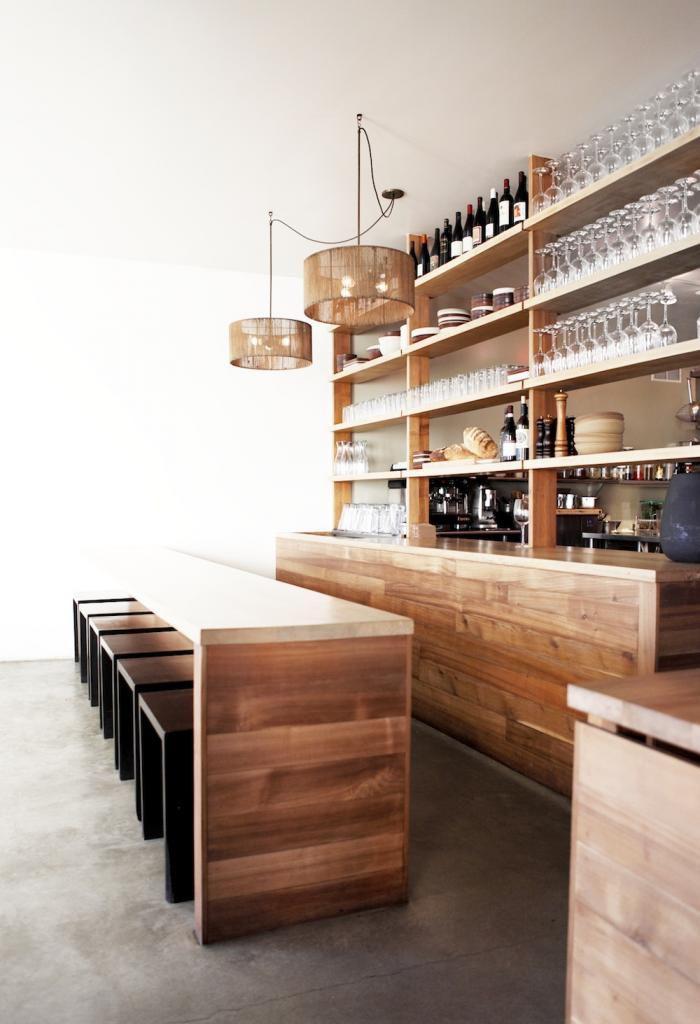 comptoir-en-bois-recyclé-îlot-de-cuisine-bois-élégant
