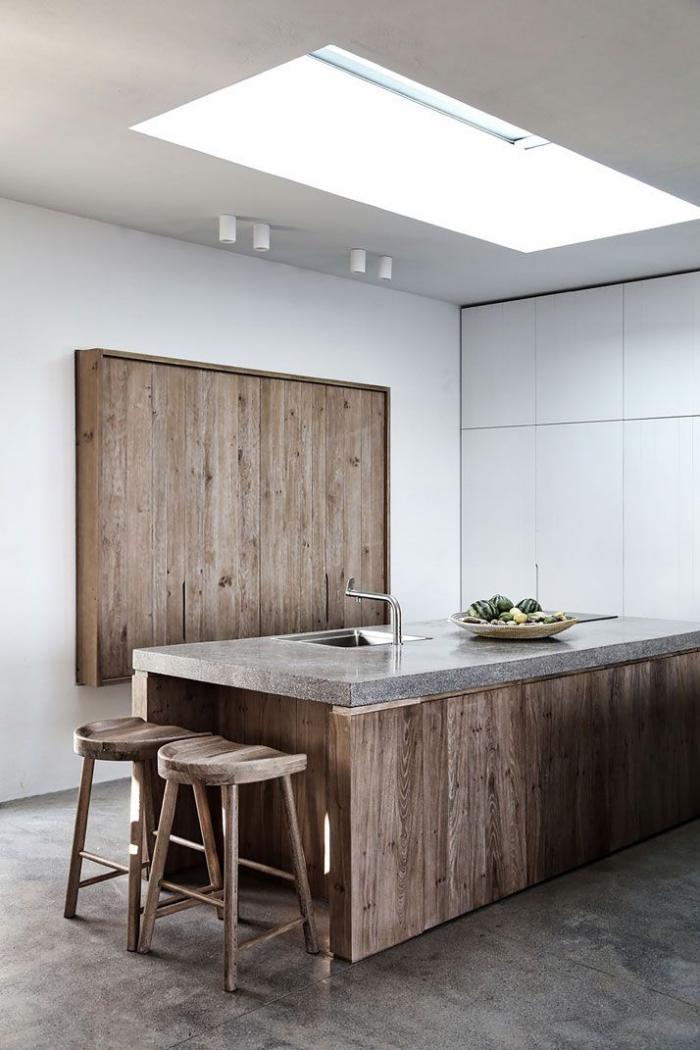 comptoir-en-bois-recyclé-îlot-de-cuisine-bois-et-ciment