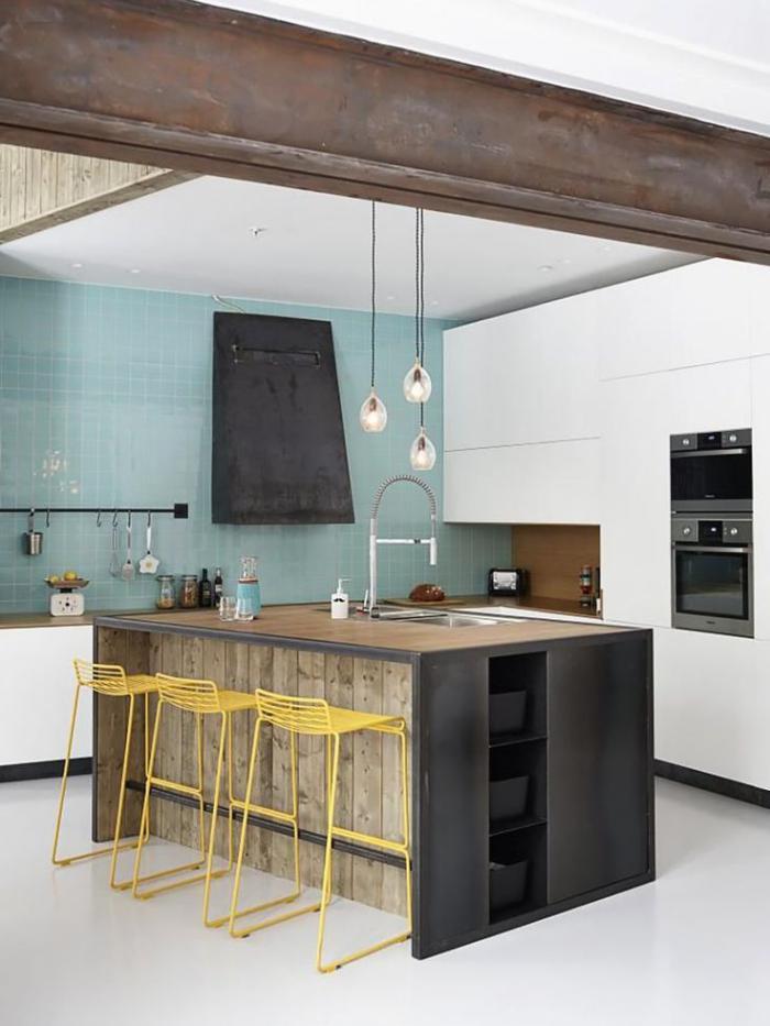 comptoir-en-bois-recyclé-cuisine-moderne-déco-bois