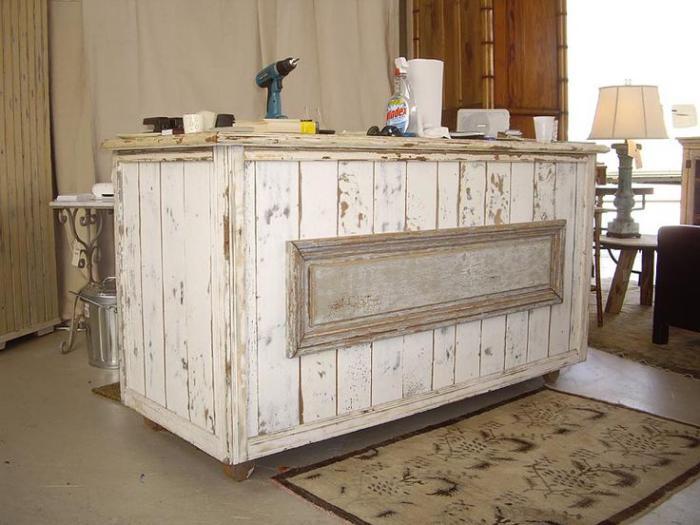 comptoir-en-bois-recyclé-style-shabby-chic