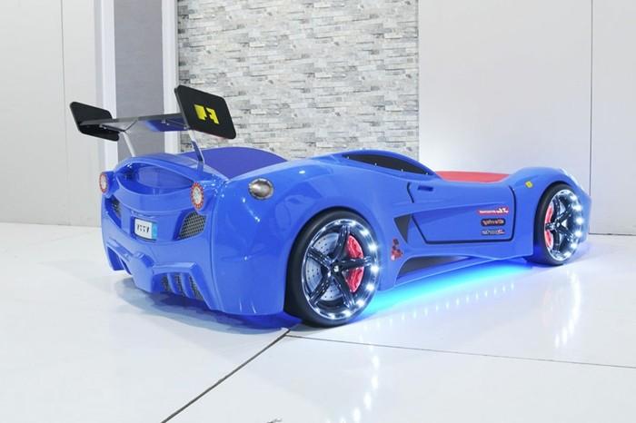 cool-idée-pour-le-lit-voiture-formule-1-lit-chambre-enfant-F1-bleue-car-lit