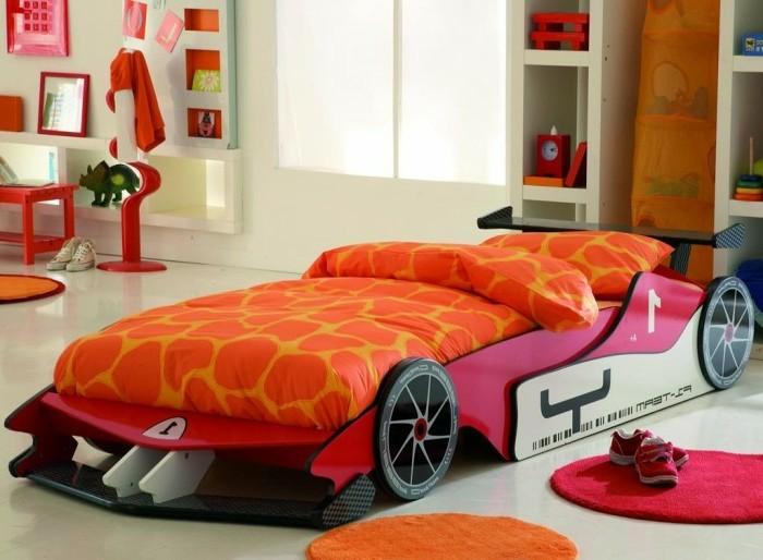 cool-idée-pour-le-lit-voiture-formule-1-lit-chambre-enfant-ferrarie-rouge-chambre-fille