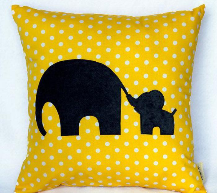 coussin-personnalisé-éléphants-noirs