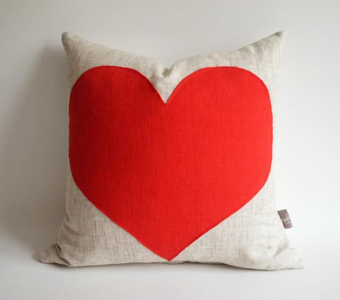 coussin-personnalisé-imprimé-coeur-rouge