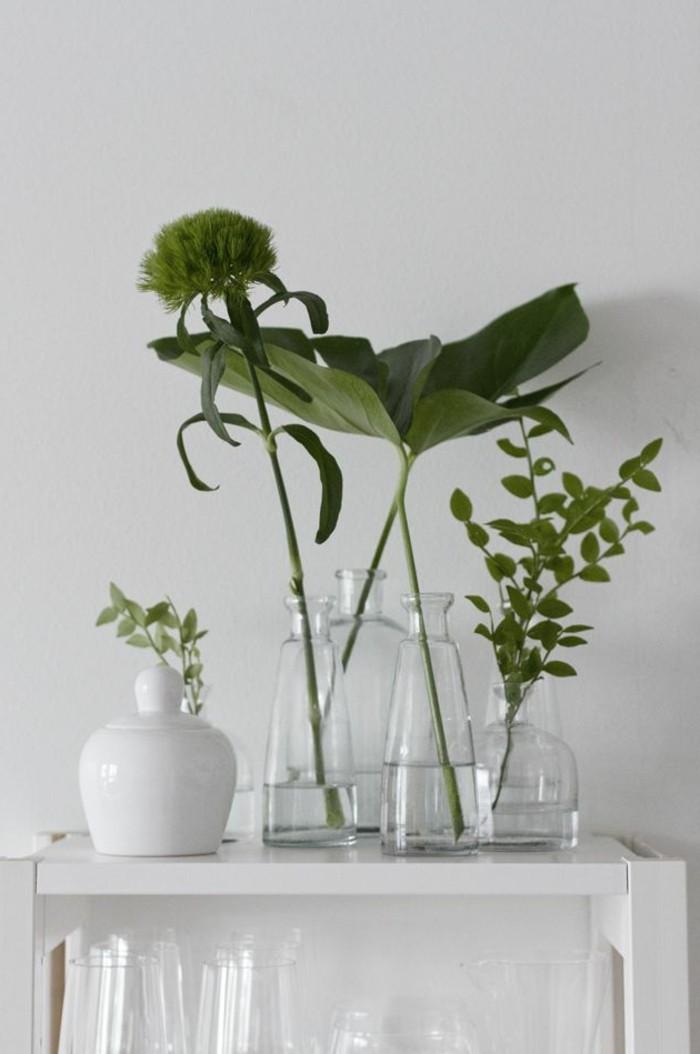 deco-vase-transparent-grand-vase-en-verre-transparent-avec-fleurs-verts-comment-decorer